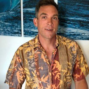 Tori Richard Hawaiian T-Shirt